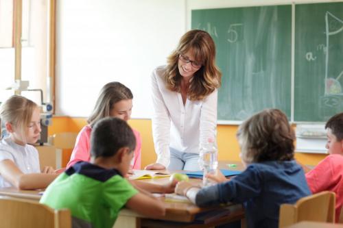 Стихи детские поздравления с днем учителя. Стихи ко дню учителя для начальной школы